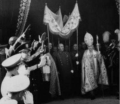 Franco bajo palio el cardenal no